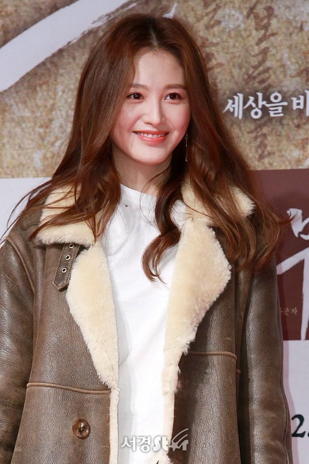 Sự kiện hội tụ gần 40 ngôi sao: Hyomin và Jaekyung chiếm hết spotlight, nam phụ Jung Hae In quá điển trai - Ảnh 6.