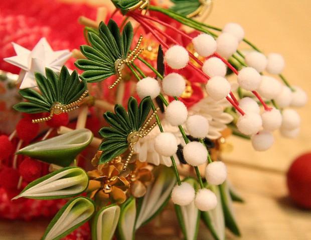 Tết Việt Nam thì không thể thiếu đào mai, còn người dân châu Á trưng hoa gì trong năm mới để có nhiều may mắn tài lộc? - Ảnh 6.