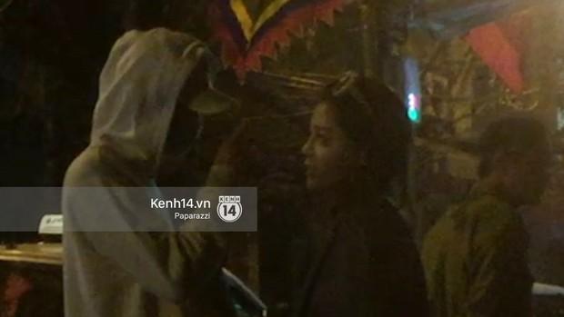 Clip độc quyền: Soobin Hoàng Sơn vô tư thể hiện tình cảm trên phố, vào cùng khách sạn với bạn gái tin đồn lúc 2h sáng - Ảnh 4.