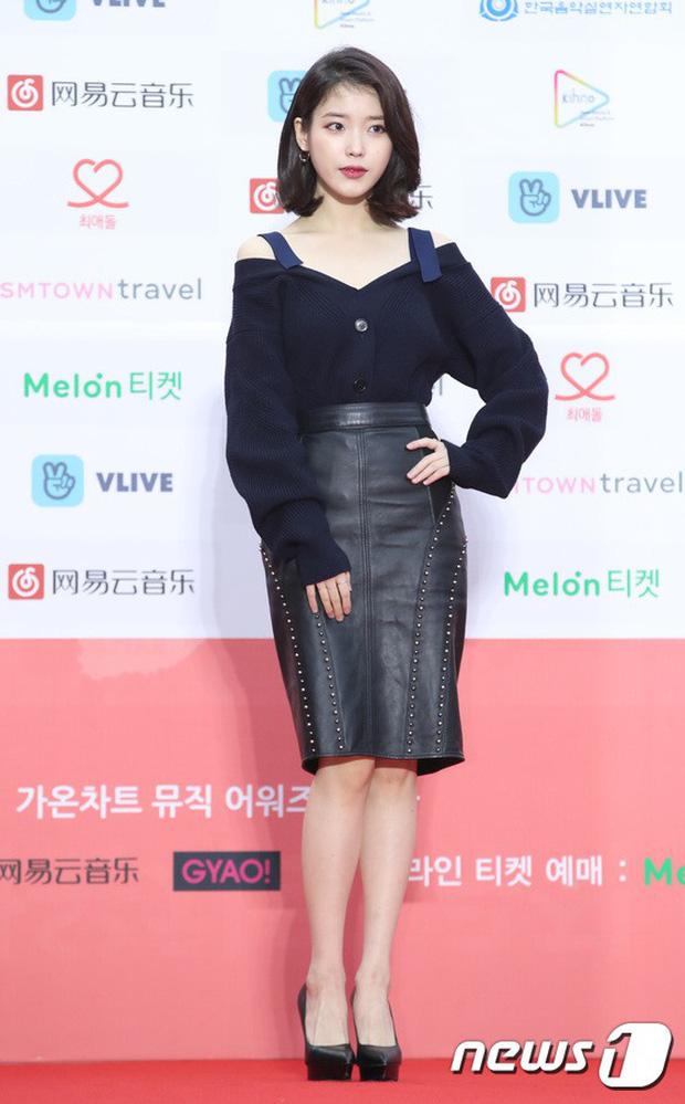 Thảm đỏ Gaon 2018: Sunmi gặp sự cố tại vùng nhạy cảm, Tzuyu và IU lột xác bất ngờ giữa dàn mỹ nhân đẹp lung linh - Ảnh 3.