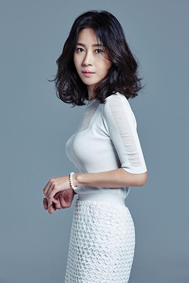 21 nữ nhân tuổi Tuất đình đám của màn ảnh Hàn: Sao toàn cực phẩm sắc đẹp, diễn xuất thế này? - Ảnh 2.