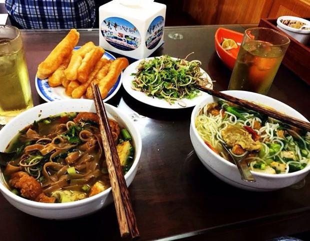 Một loạt quán ăn bình dân nổi tiếng ở Hà Nội mở xuyên Tết để bạn có thể đi ăn ngay từ mùng 1 - Ảnh 4.