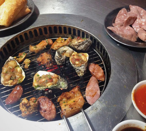 Một loạt quán ăn bình dân nổi tiếng ở Hà Nội mở xuyên Tết để bạn có thể đi ăn ngay từ mùng 1 - Ảnh 10.