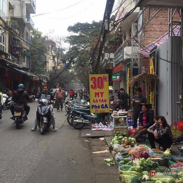 Một loạt quán ăn bình dân nổi tiếng ở Hà Nội mở xuyên Tết để bạn có thể đi ăn ngay từ mùng 1 - Ảnh 1.