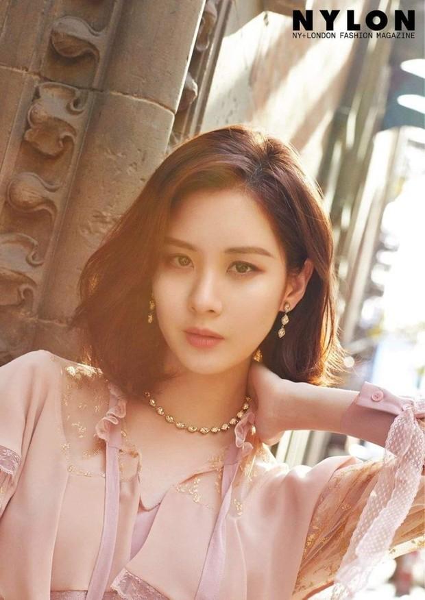 Chuyện thật như đùa: Nữ idol bị chê xấu nhất lịch sử Kpop hiện còn hot hơn cả Irene, Yoona và loạt nữ thần khác - Ảnh 7.