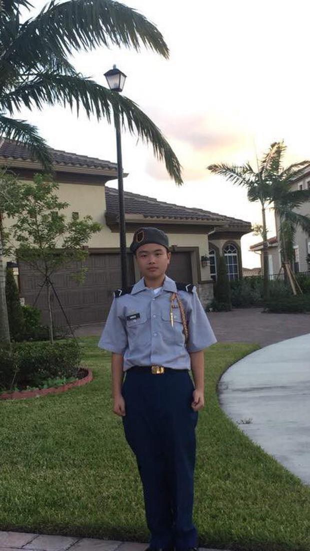 Cậu bé 15 tuổi anh hùng, hy sinh thân mình giữ cửa cho các bạn chạy thoát trong vụ xả súng đẫm máu ngày Valentine - Ảnh 2.