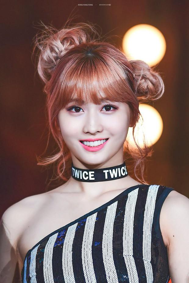 Chuyện thật như đùa: Nữ idol bị chê xấu nhất lịch sử Kpop hiện còn hot hơn cả Irene, Yoona và loạt nữ thần khác - Ảnh 4.