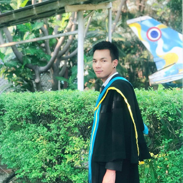 Nhờ bạn thân chụp bộ ảnh tốt nghiệp, anh chàng trở thành nam phụ mờ nhạt chỉ vì một lý do bất ngờ - Ảnh 14.