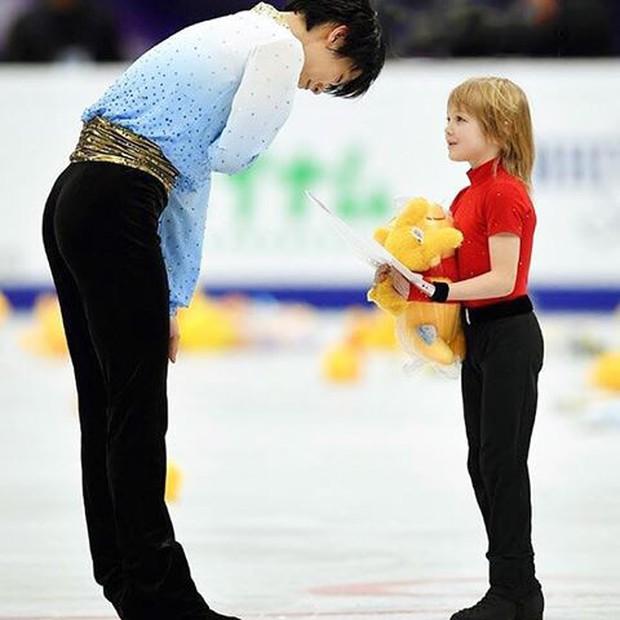 Những khoảnh khắc khiến bạn không thể ngừng yêu hoàng tử sân băng Nhật Bản Yuzuru Hanyu - Ảnh 16.