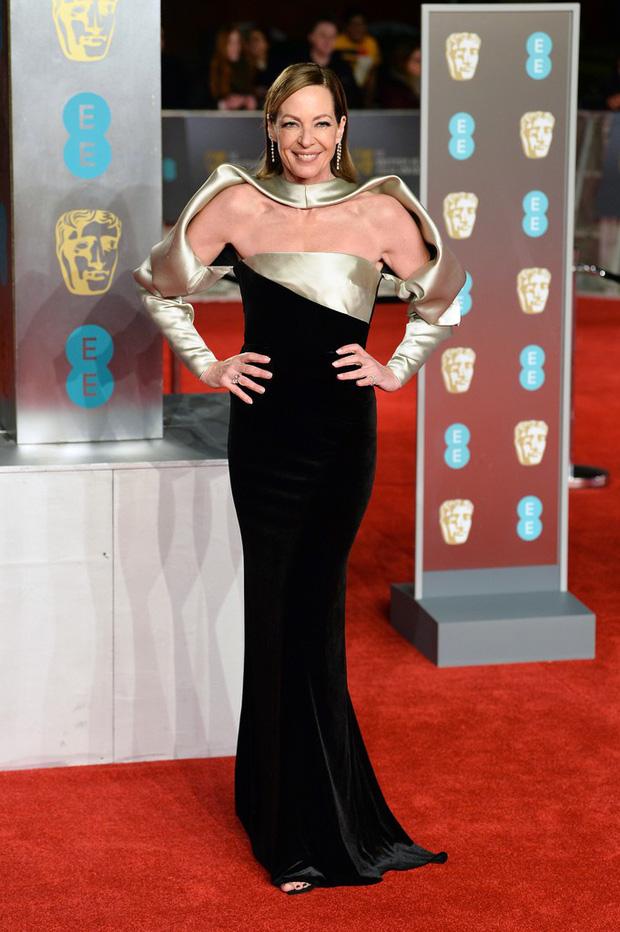 Thảm đỏ Oscar Anh Quốc: Dàn siêu sao tiếp tục khoe sắc với váy đen để ủng hộ phong trào chống quấy rối tình dục - Ảnh 20.