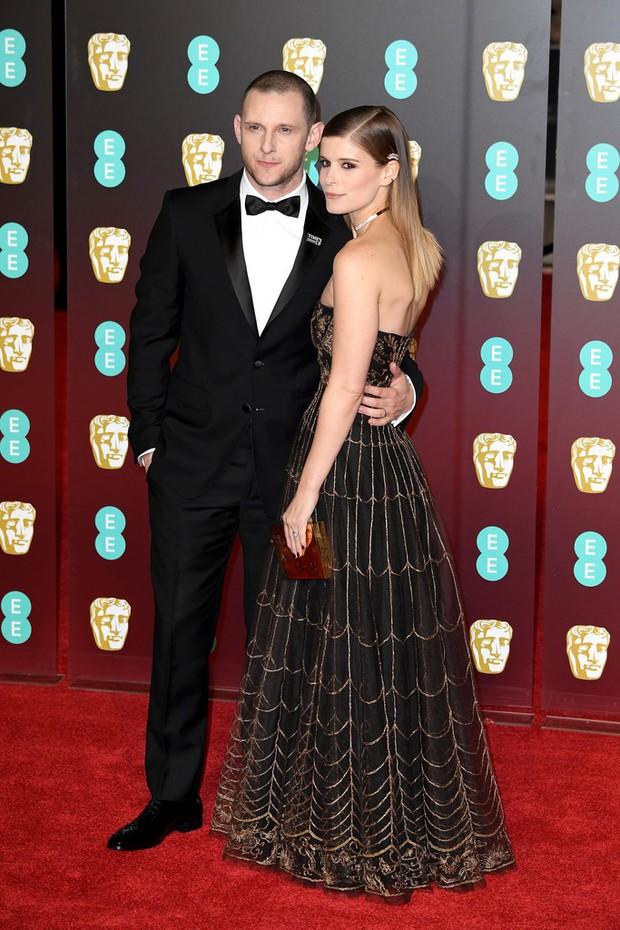 Thảm đỏ Oscar Anh Quốc: Dàn siêu sao tiếp tục khoe sắc với váy đen để ủng hộ phong trào chống quấy rối tình dục - Ảnh 26.
