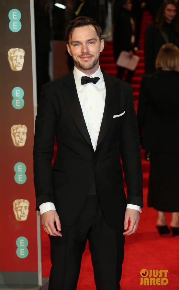 Thảm đỏ Oscar Anh Quốc: Dàn siêu sao tiếp tục khoe sắc với váy đen để ủng hộ phong trào chống quấy rối tình dục - Ảnh 27.