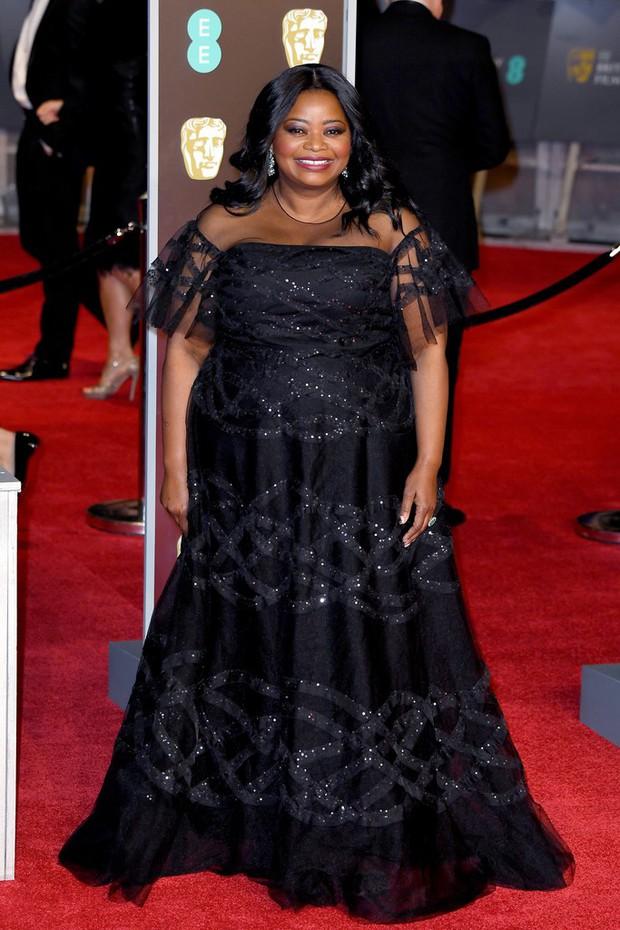 Thảm đỏ Oscar Anh Quốc: Dàn siêu sao tiếp tục khoe sắc với váy đen để ủng hộ phong trào chống quấy rối tình dục - Ảnh 24.