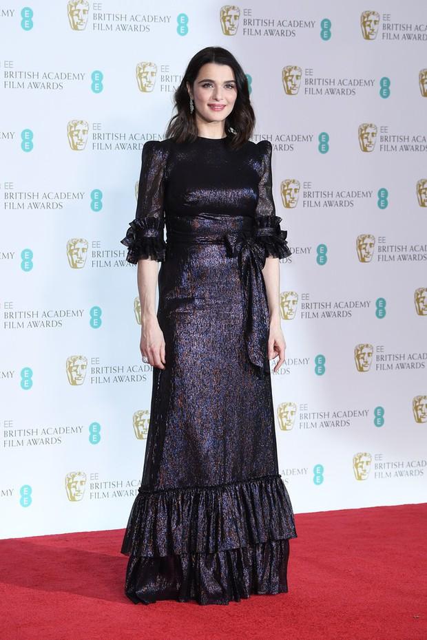 Thảm đỏ Oscar Anh Quốc: Dàn siêu sao tiếp tục khoe sắc với váy đen để ủng hộ phong trào chống quấy rối tình dục - Ảnh 32.