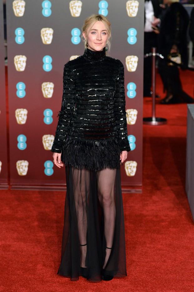 Thảm đỏ Oscar Anh Quốc: Dàn siêu sao tiếp tục khoe sắc với váy đen để ủng hộ phong trào chống quấy rối tình dục - Ảnh 16.
