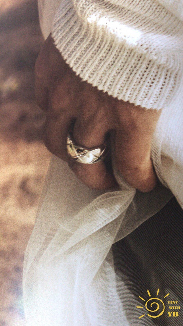 Ngã ngửa vì Min Hyo Rin khoe ngực khủng như sắp tràn, Taeyang... đội khăn voan cô dâu trong hình cưới - Ảnh 9.