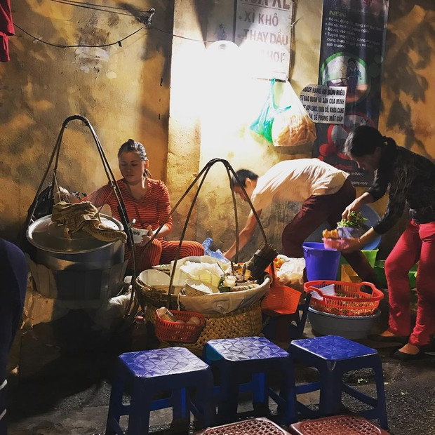 Truy lùng những hàng bún riêu ngon nổi tiếng mà đầy ú ụ ở Hà Nội - Ảnh 19.