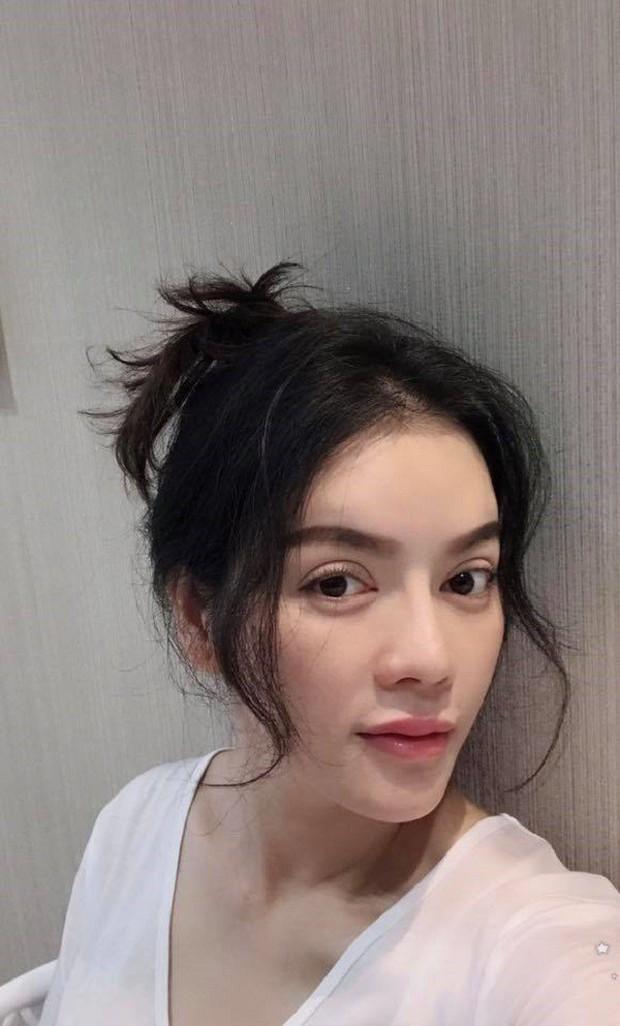 Đẳng cấp của dàn mỹ nhân tuổi Tuất showbiz Việt khi để mặt mộc: Bỏ lớp trang điểm vẫn xinh đẹp phát hờn! - Ảnh 1.