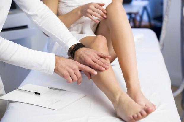 Thấy có hiện tượng đau tức ngực thì phải cẩn thận kẻo mắc các vấn đề nguy hiểm sau - Ảnh 2.