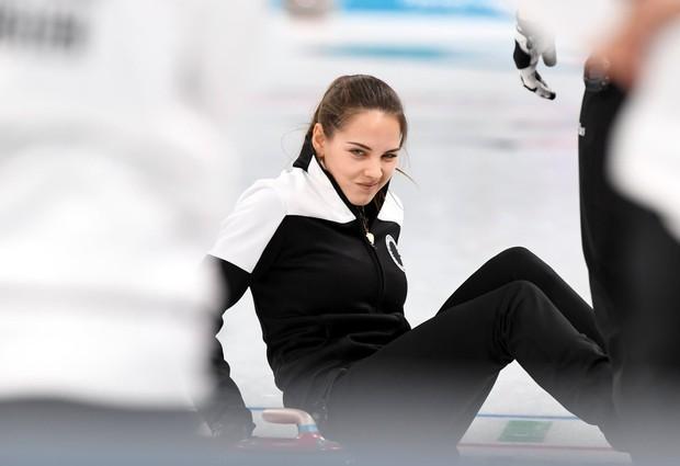 VĐV Nga bị kiểm tra doping vì... vợ quá đẹp? - Ảnh 6.
