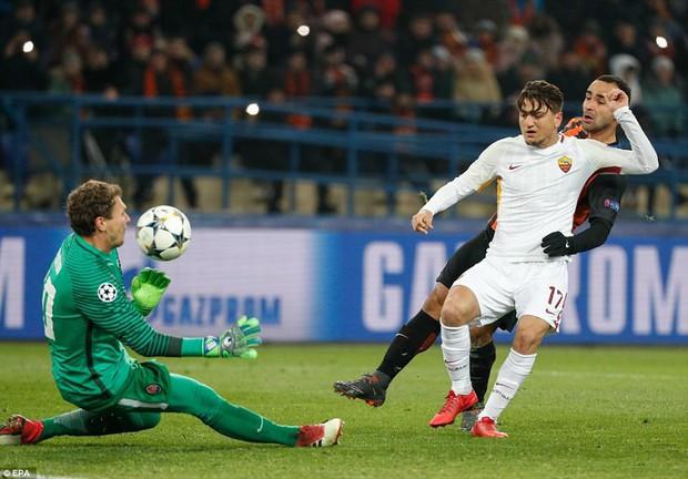 Mục tiêu của Man City lập siêu phẩm, đại diện Ukraine gây bất ngờ lớn ở Champions League - Ảnh 3.