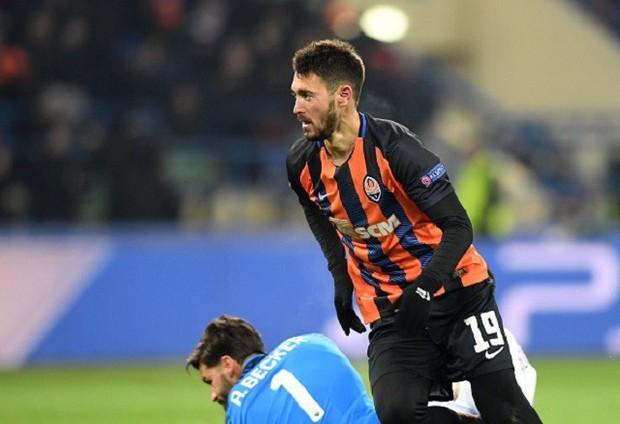 Mục tiêu của Man City lập siêu phẩm, đại diện Ukraine gây bất ngờ lớn ở Champions League - Ảnh 10.