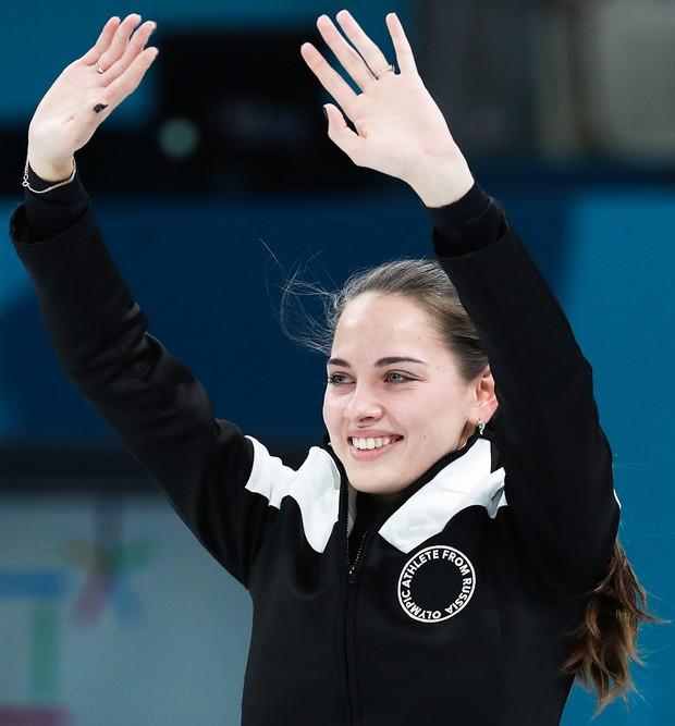 VĐV Nga bị kiểm tra doping vì... vợ quá đẹp? - Ảnh 10.