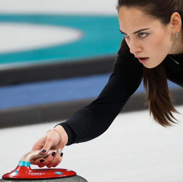 VĐV Nga bị kiểm tra doping vì... vợ quá đẹp? - Ảnh 8.