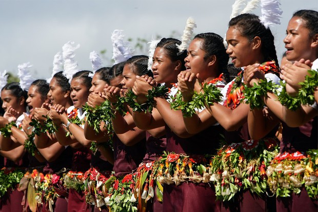 Ghé thăm Tonga, nơi phụ nữ phải béo mới đẹp, chồng đi chơi về muộn là lấy gậy tre ra... đánh - Ảnh 6.