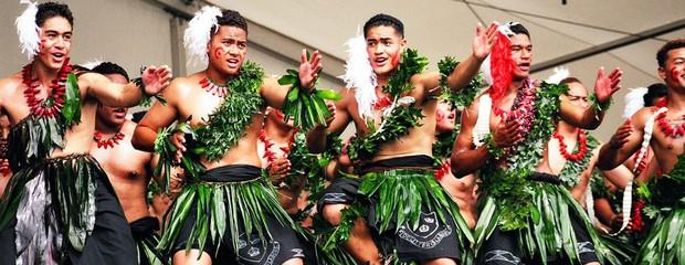 Ghé thăm Tonga, nơi phụ nữ phải béo mới đẹp, chồng đi chơi về muộn là lấy gậy tre ra... đánh - Ảnh 7.