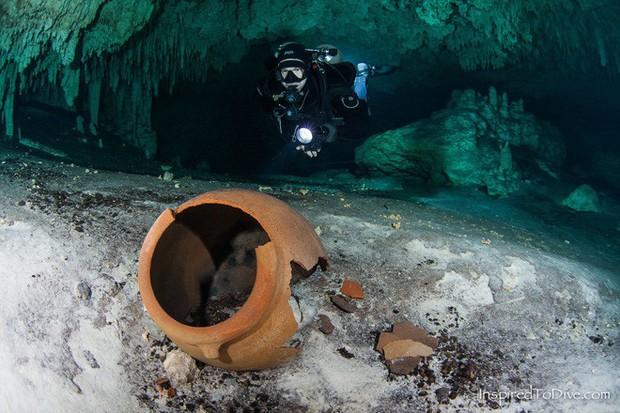 Lặn xuống hang động lớn nhất thế giới, phát hiện thế giới bí ẩn của người Maya - Ảnh 4.