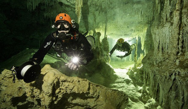Lặn xuống hang động lớn nhất thế giới, phát hiện thế giới bí ẩn của người Maya - Ảnh 5.