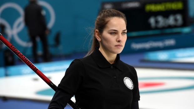 VĐV Nga bị kiểm tra doping vì... vợ quá đẹp? - Ảnh 9.