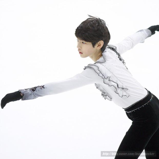 Lộ diện hoàng tử sân băng nữa khiến chị em ngây ngất: Mới 16 tuổi, thần thái Park Sung Hoon đã lôi cuốn thế này rồi! - Ảnh 3.