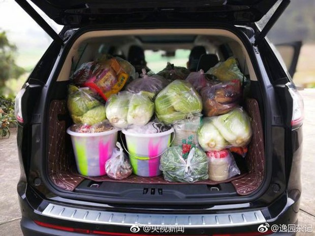 Trở về thành phố sau Tết, những người con xa quê còn mang theo nhiều món ăn nặng trĩu tình yêu của cha mẹ - Ảnh 8.