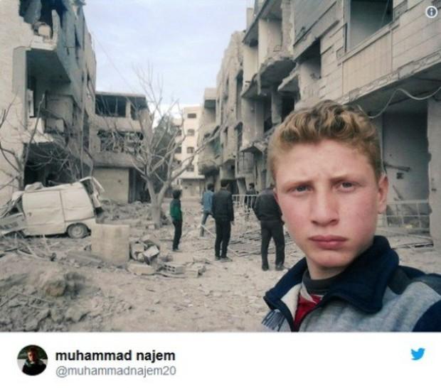 Bất chấp mưa bom bão đạn, cậu bé 15 tuổi lao ra chiến trường, quay phim cho cả thế giới thấy nỗi đau của trẻ em Syria - Ảnh 2.
