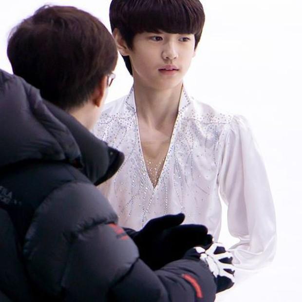 Lộ diện hoàng tử sân băng nữa khiến chị em ngây ngất: Mới 16 tuổi, thần thái Park Sung Hoon đã lôi cuốn thế này rồi! - Ảnh 7.