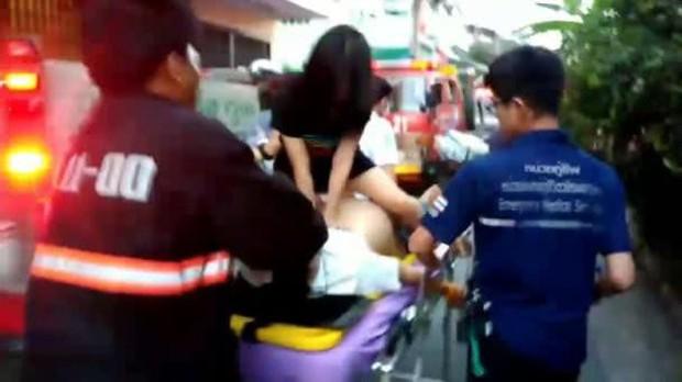Cứu giúp nạn nhân hỏa hoạn, tình nguyện viên xinh đẹp vẫn bị ném đá, phải lên tiếng xin lỗi chỉ vì một lý do ít ai ngờ - Ảnh 1.
