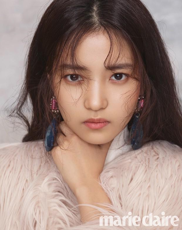 Xuất hiện nữ diễn viên hot đến mức đánh bật cả thánh sống Kang Dong Won, Gong Yoo và loạt sao hạng A - Ảnh 1.