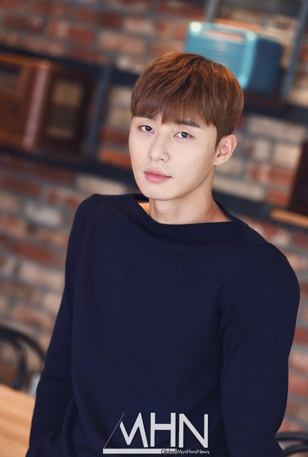 Xuất hiện nữ diễn viên hot đến mức đánh bật cả thánh sống Kang Dong Won, Gong Yoo và loạt sao hạng A - Ảnh 4.