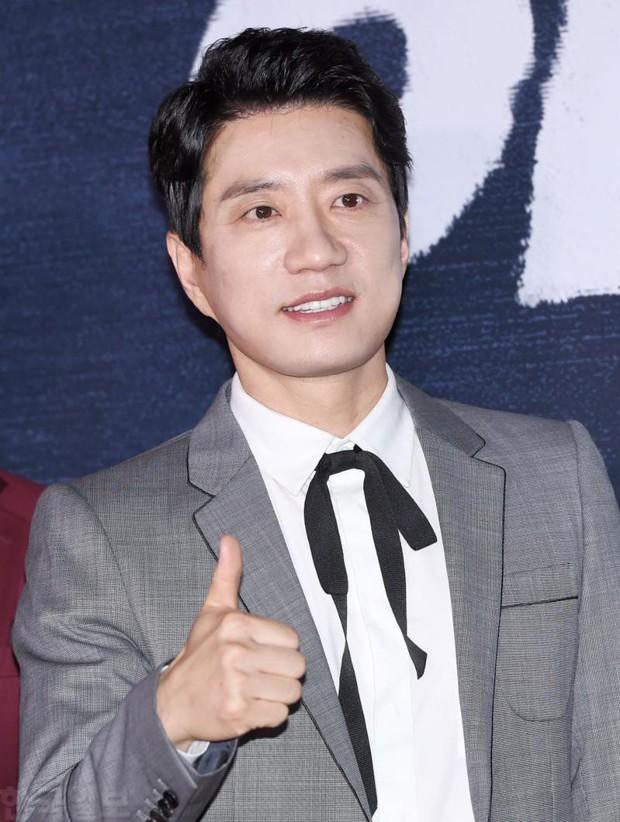 Xuất hiện nữ diễn viên hot đến mức đánh bật cả thánh sống Kang Dong Won, Gong Yoo và loạt sao hạng A - Ảnh 6.