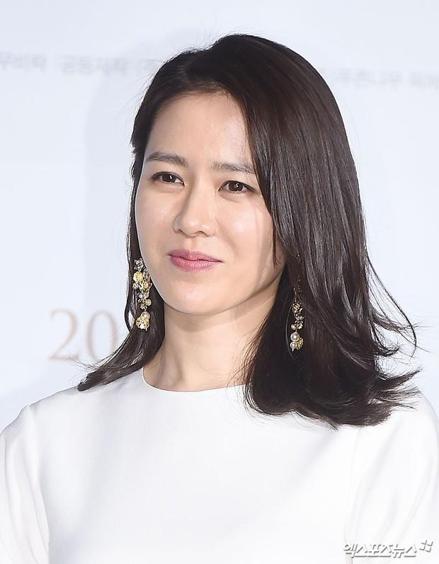 Xuất hiện nữ diễn viên hot đến mức đánh bật cả thánh sống Kang Dong Won, Gong Yoo và loạt sao hạng A - Ảnh 10.