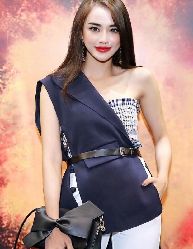 Phản ứng của hot girl Việt trước tin PTTM: Người thẳng thắn đáp trả, người phủ nhận đến cùng - Ảnh 10.