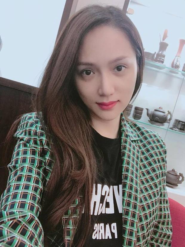 Thiết kế blazer của Zara có gì hot mà cả Thanh Hằng, Hương Giang Idol lẫn Á hậu Lệ Hằng thi nhau diện - Ảnh 2.