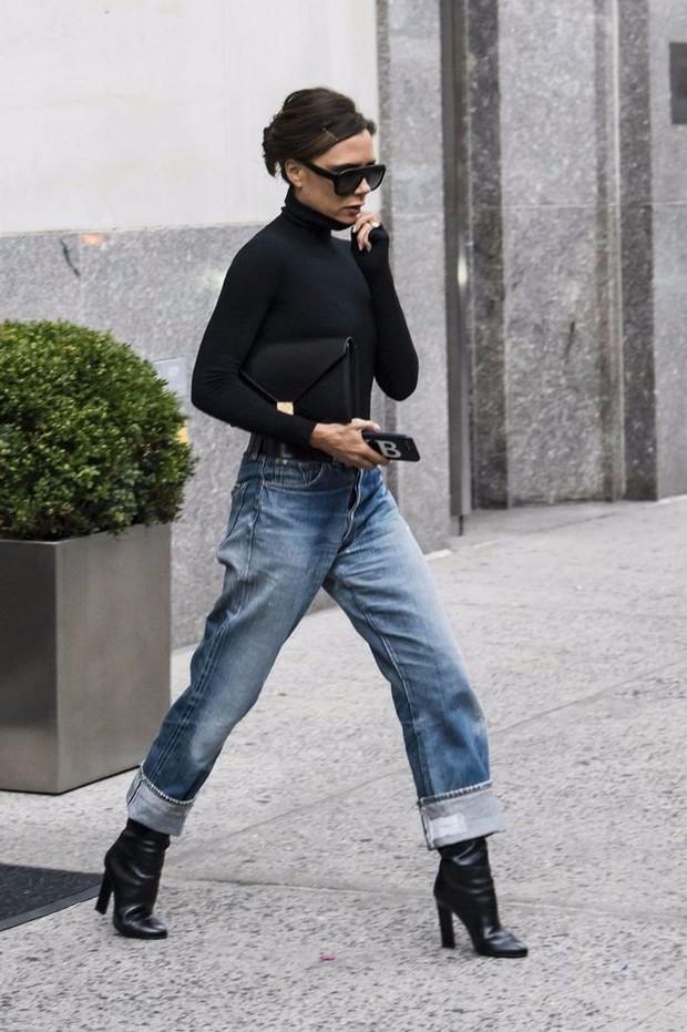 """Victoria Beckham giữ quần jeans lên phom đứng dáng bằng cách """"lười"""" giặt - Ảnh 6."""