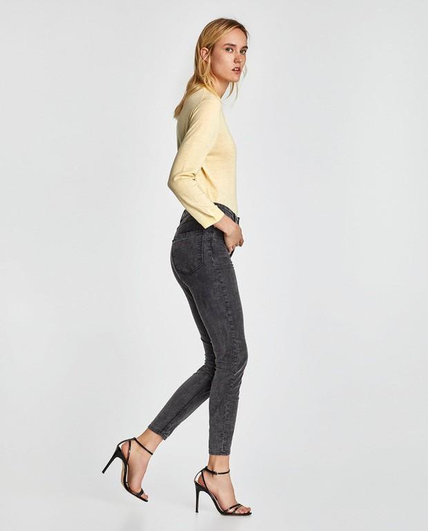 """Victoria Beckham giữ quần jeans lên phom đứng dáng bằng cách """"lười"""" giặt - Ảnh 8."""