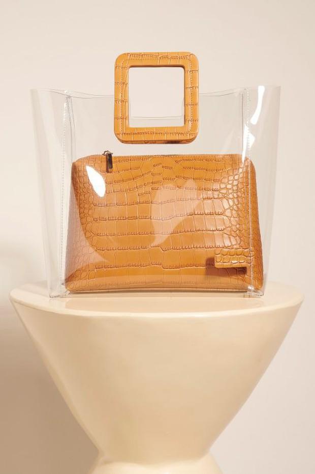 Túi nhựa trong suốt lại oanh tạc tại các Tuần lễ thời trang và dự là sẽ thành hot trend trong năm nay - Ảnh 9.