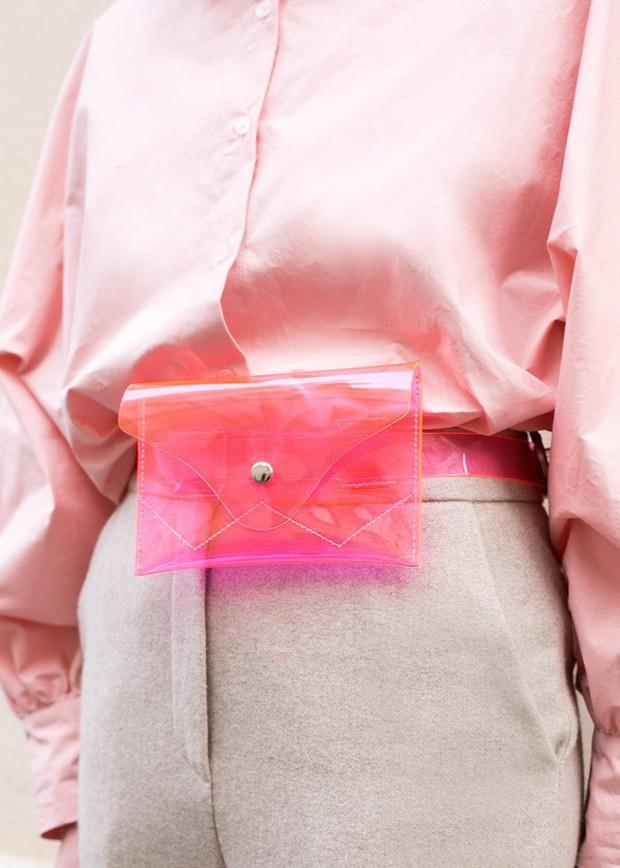Túi nhựa trong suốt lại oanh tạc tại các Tuần lễ thời trang và dự là sẽ thành hot trend trong năm nay - Ảnh 6.