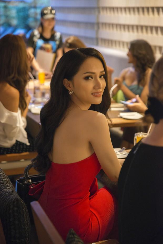 Hương Giang tự tin đọ sắc với Yoshi: Cuộc hội ngộ được chờ đợi nhất tại Hoa hậu Chuyển giới Quốc tế đã diễn ra! - Ảnh 6.