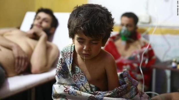 Thảm cảnh của những đứa trẻ tại thánh địa chết chóc Syria: Nỗi đau của các em vẫn chưa có hồi kết - Ảnh 15.